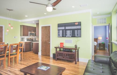 York Street Condo 201 - Two-bedroom - Savannah, GA 31401