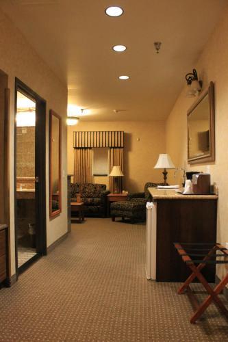 Rushmore Express & Suites - Keystone, SD 57751