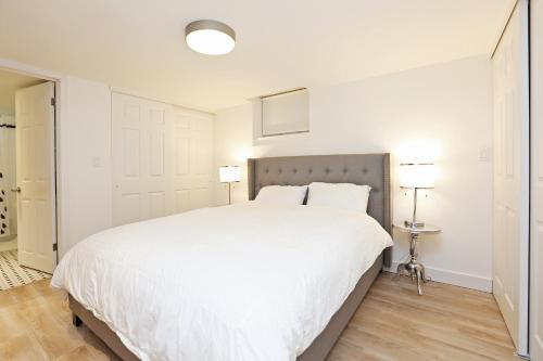 Applewood Suites - Annex Executive Basement - Toronto, ON M5R 2Y7