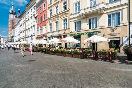 Venetian House Market Square Aparthotel