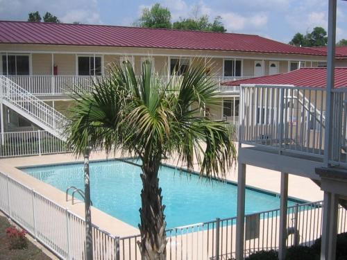 Steps From The Beach - Biloxi, MS 39531