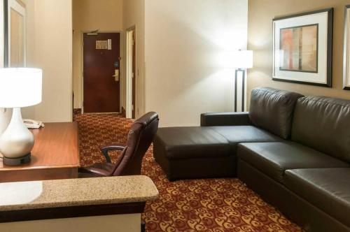 Comfort Suites Milledgeville - Milledgeville, GA 31061