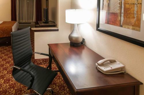 Comfort Suites Milledgeville Photo