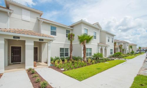 Townhouse De Denise - Davenport, FL 33896