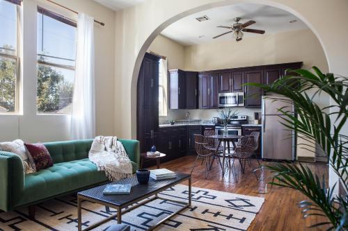 One-bedroom On S Carrollton Avenue Apt 2 By Sonder