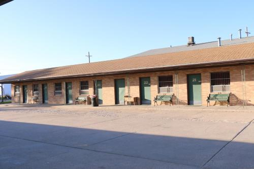 Frontier Motel - Oberlin, KS 67749