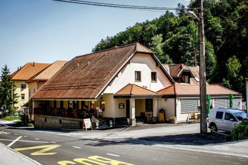 Framski Hram Guest House