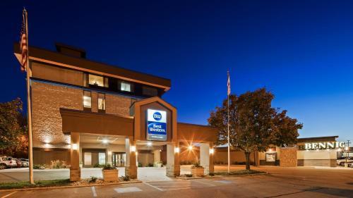 Best Western Holiday Lodge - Clear Lake, IA 50428