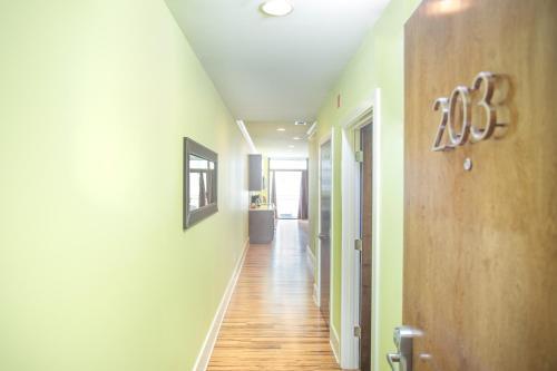 York Street Condo 203 - Three-bedroom