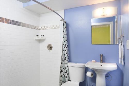 York Street Condo 303 - Three-bedroom - Savannah, GA 31401