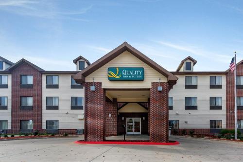 Quality Inn & Suites Emporia Photo