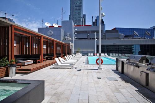 Entertainment District - Toronto, ON M5V 0E9