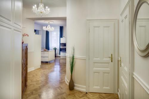 Riverview Old Town Apartment