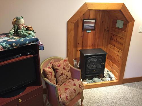 Summerhill Guest House - Tofino, BC V0R 2Z0