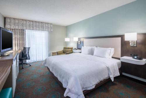 Hampton Inn & Suites Chincoteague-Waterfront, Va in Chincoteague