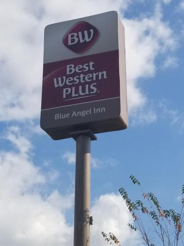 Best Western Plus Blue Angel Inn Photo