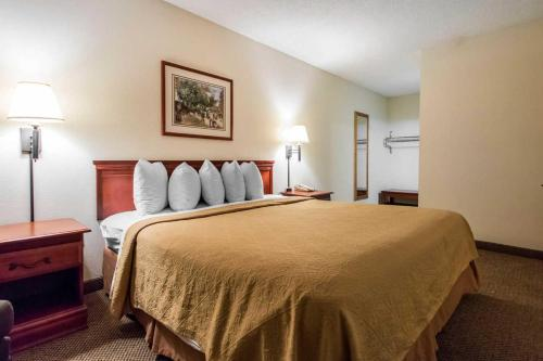 Quality Inn & Suites Savannah North - Port Wentworth, GA 31407