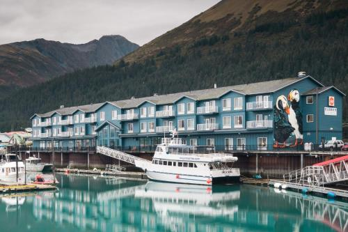 Harbor 360 Hotel Seward Photo