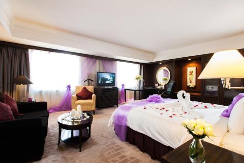 V-Continent Wuzhou Hotel photo 23