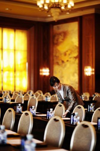 V-Continent Wuzhou Hotel photo 26