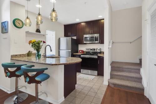 4br Luxury Townhome - Gated Resort By The Parks - Kissimmee, FL 34746