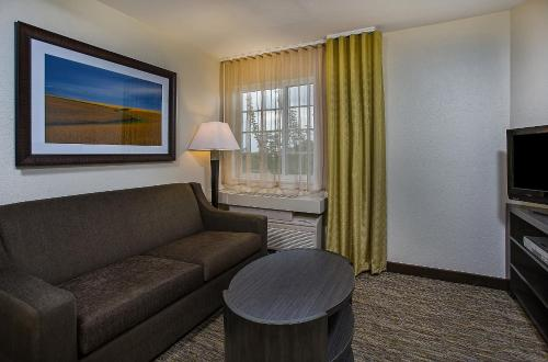 Candlewood Suites-louisville Airport - Louisville, KY 40213