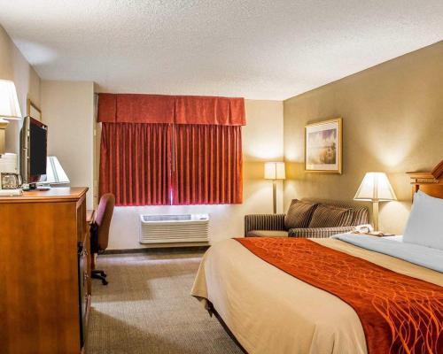 Quality Inn Huron Photo