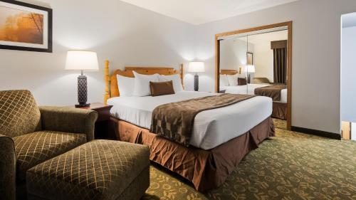Best Western Rivertown Hotel & Suites Photo