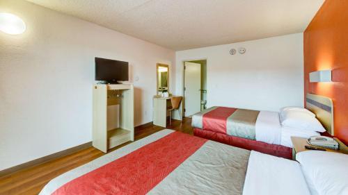 Motel 6 Norfolk Photo