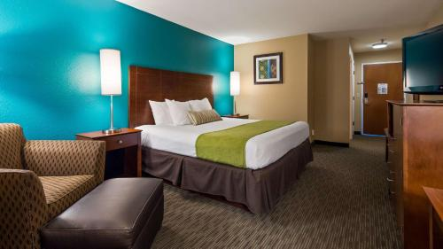 Best Western Plus Venture Inn - Central City, KY 42330