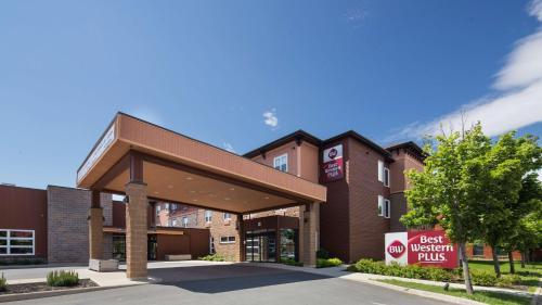 Best Western Plus, Bathurst Hotel & Suites Photo