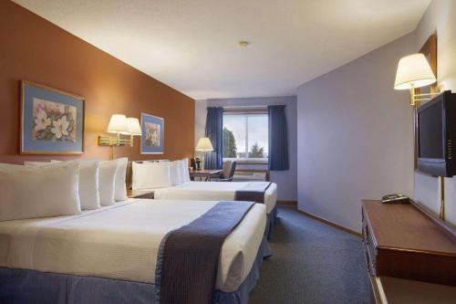 Travelodge By Wyndham Motel Of St Cloud - Saint Cloud, MN 56301