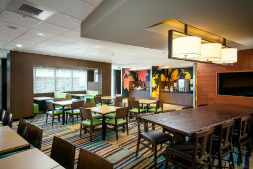 Fairfield Inn & Suites By Marriott Tacoma Dupont - DuPont, WA 98327