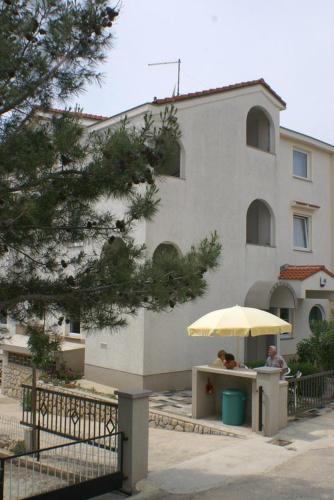 Apartment Mandre 4098a