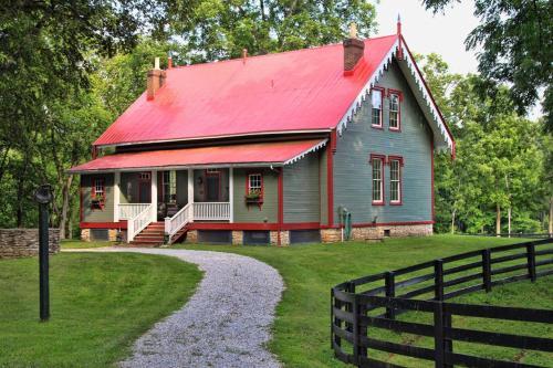 Historic Blue Wing Landing Inn - Owenton, KY 40359