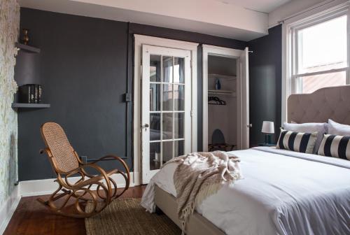 Two-bedroom On Magazine Street Apt A