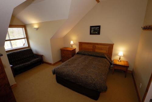 Kimberley Ridge 3 Bedroom Unit - Kimberley, BC V1A 3E9