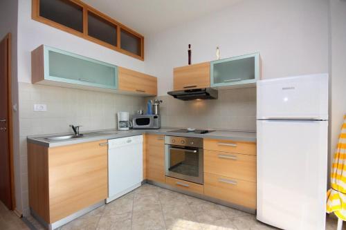 Apartment Kampor 4986a