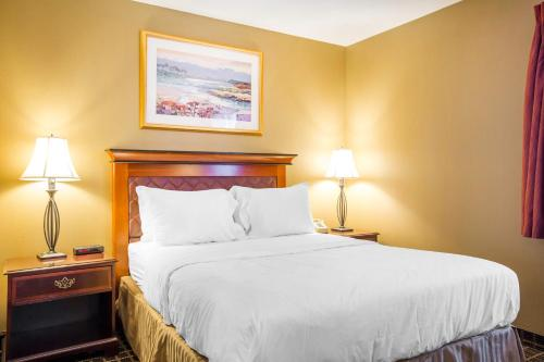 Quality Inn & Suites Westminster - Seal Beach Westminster Photo