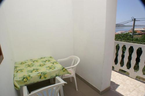 Apartment Metajna 4150c