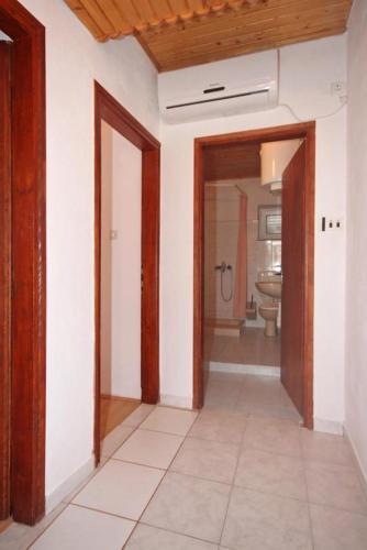 Apartment Metajna 6351a