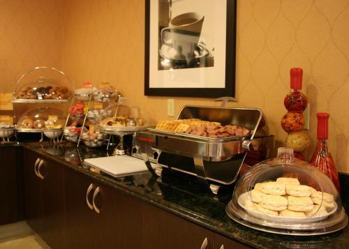 Hampton Inn & Suites Richmond/Virginia Center photo 23