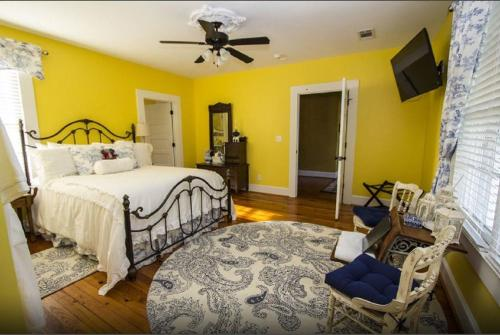Bama Bed And Breakfast - Tuscaloosa, AL 35401