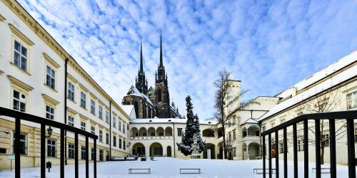 smart dating brno Abb to strengthen manufacturing footprint which in addition to its regular activities is developing smart abb has a long history in the czech republic dating.