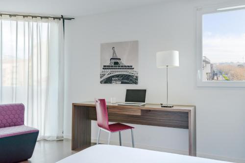 appart h tel hevea valence prix photos et avis. Black Bedroom Furniture Sets. Home Design Ideas