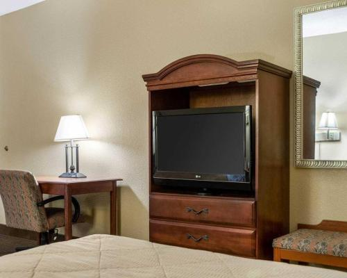Econo Lodge Greenville - Greenville, MS 38702