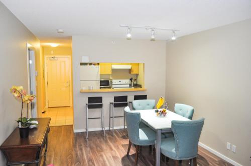 Amazing Stay At Exquisite 1br Apartment - Vancouver, BC V5R 5B6