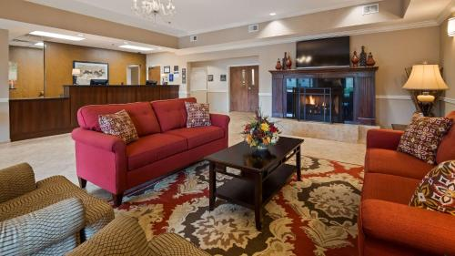 Best Western Plus Louisa - Louisa, KY 41230