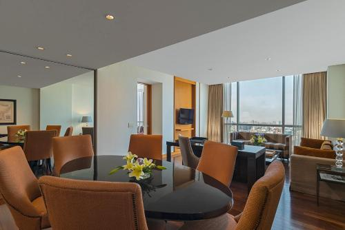The Westin Lima Hotel & Convention Center Photo