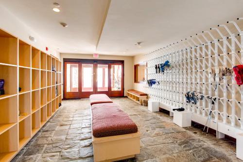 Highlands Lodge 201